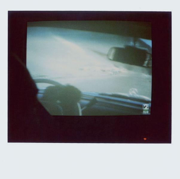 Magnolia Soto. Apuntes sobre el consumo de imágenes de paisaje 12. 2001. Polaroid. 8,8 X 10,7cm.