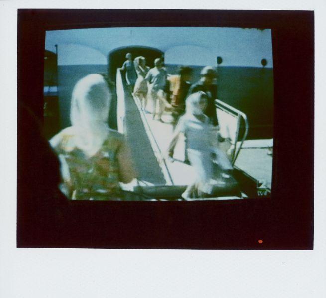 Magnolia Soto. Apuntes sobre el consumo de imágenes de paisaje 14. 2001. Polaroid. 8,8 X 10,7cm.