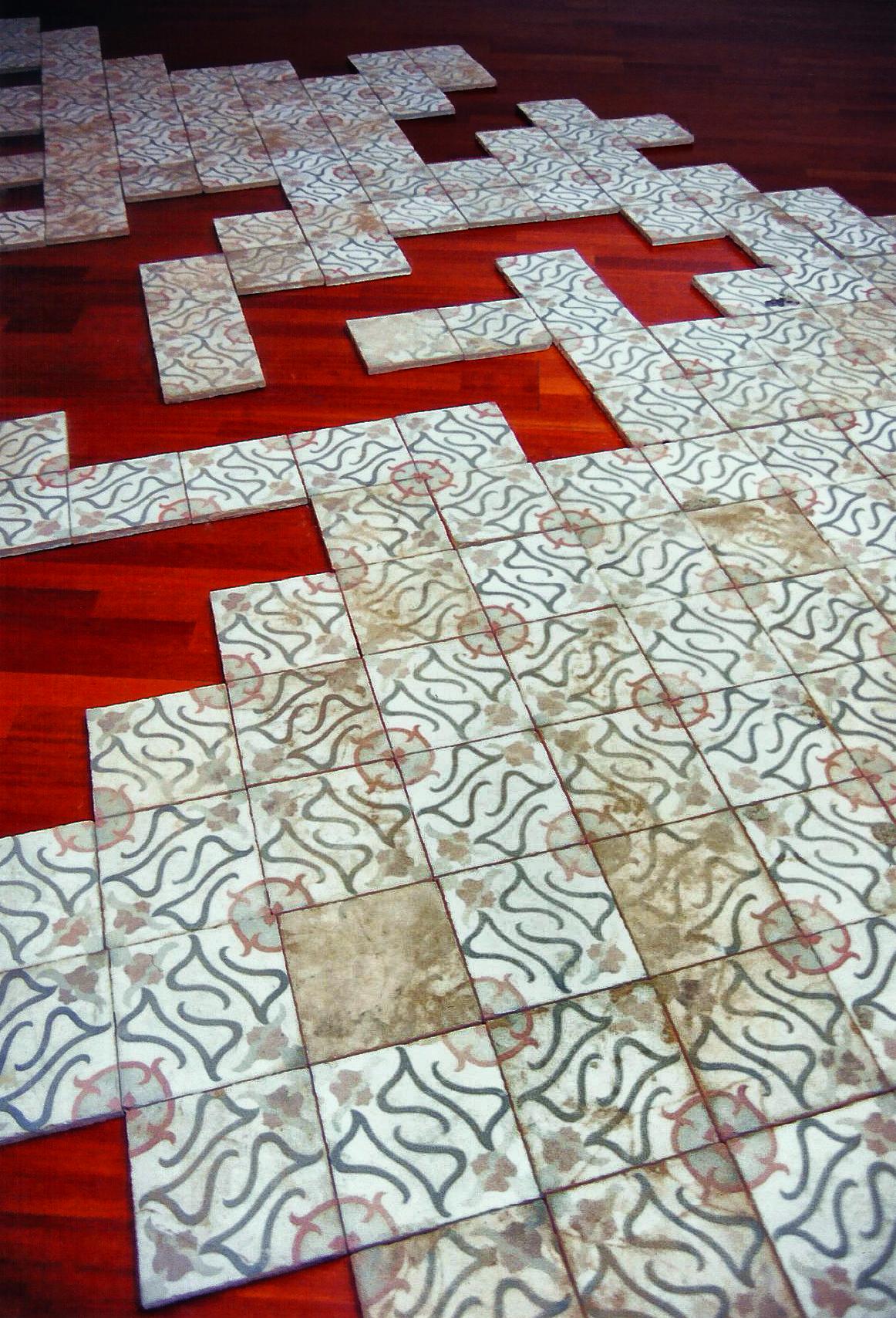 Magnolia Soto. Sin título. 1999. Baldosas de cemento hidráulico. 20 x 20 x 5 cm. cada una. Medidas variables (detalle)